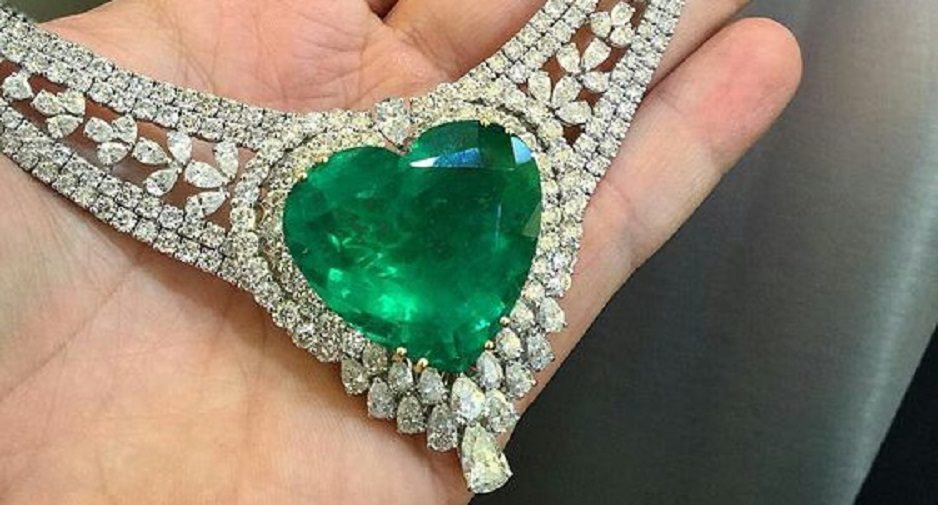 75 Carats Colombian Emerald Diamond Necklace by Yessayan